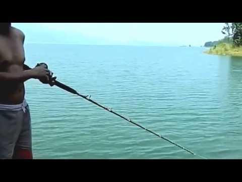 ที่เที่ยวกาญจนบุรี ตกปลาที่แพเขื่อนศรี