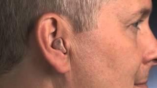 Как надевать и снимать внутриушной или внутриканальный слуховой аппарат(Как надевать и снимать внутриушной или внутриканальный слуховой аппарат - видеоинструкция для клиентов..., 2016-03-31T13:55:03.000Z)