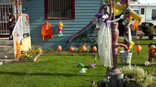 Halloween Yard In Nampa Idaho This Guy Does His Yard Up Every Holiday