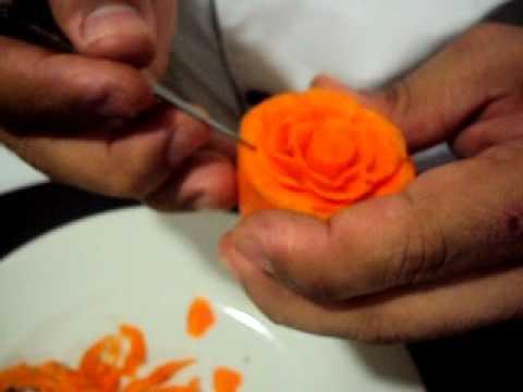 Tallado De Rosa En Zanahoria Avi Youtube El jugo de zanahoria es una bebida deliciosa y nutritiva rica en betacaroteno, vitamina a, b, c, d, e, k y minerales como el calcio, fósforo y potasio. tallado de rosa en zanahoria avi youtube