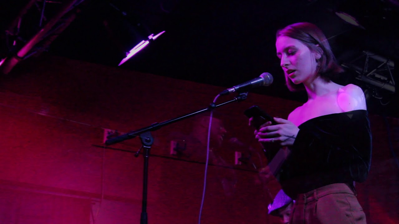 An inside look: slam poetry at the Bishop Bar - Indiana