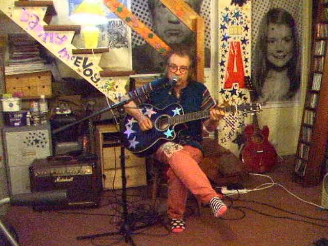 alison-moyet-that-ole-devil-called-love-acoustic-cover-danny-mcevoy-thewalruswasdanny