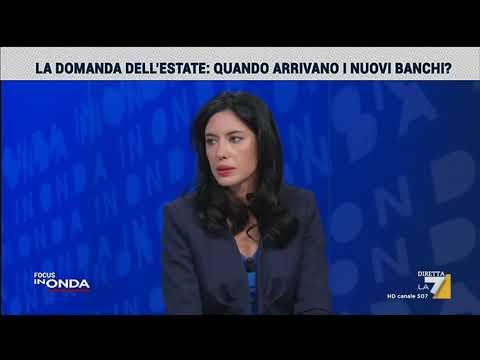 """Azzolina: """"Consegna nuovi banchi in tre tranche"""""""