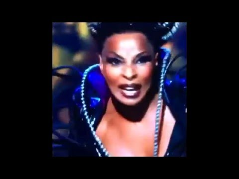 Mary J. Blige Screeches for Just Under 8 Hours