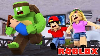 TINY TURTLE STOLE A BABY !!!! Sharky Gaming | Roblox w/ Little Kelly and Ropo