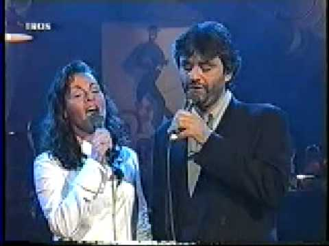 Andrea Bocelli in duet with Hayley - Vivo Per Lei Lyrics