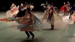 GATHERING OF NATIONS POW WOW 2019 : Women's Fancy Shawl Dance