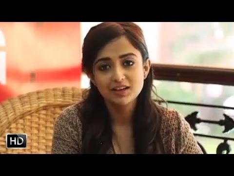 Monali Thakur talks about her Debut movie...