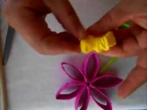 Como hacer flores recicladas flores hechas con conos de - Hacer conos papel ...