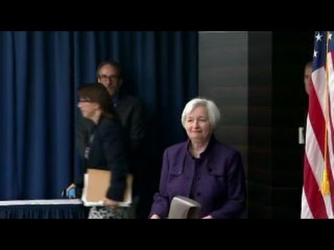 Yellen quarterbacks questions about political influence