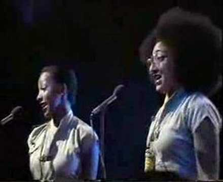 Althea & Donna - Uptown Top Ranking @ top of the pops