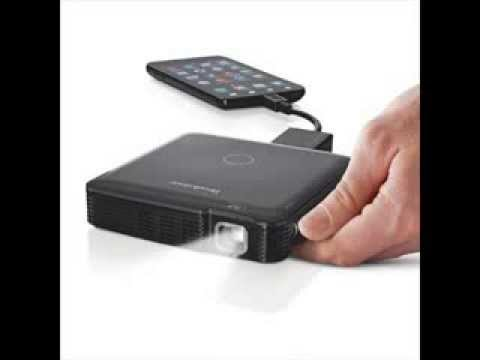 Brookstone hdmi pocket projector for iphone 5 2014 youtube for Movie projector for iphone 6