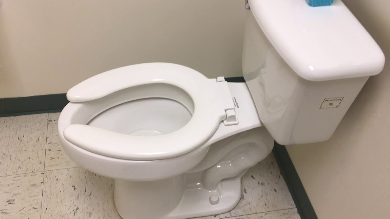 393 A Doctors Office Bathroom With A Universal Rundle Toilet Youtube