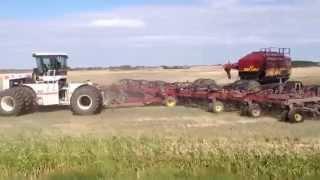 Big Bud 525/50 4wd tractor pulling big Seedhawk drill