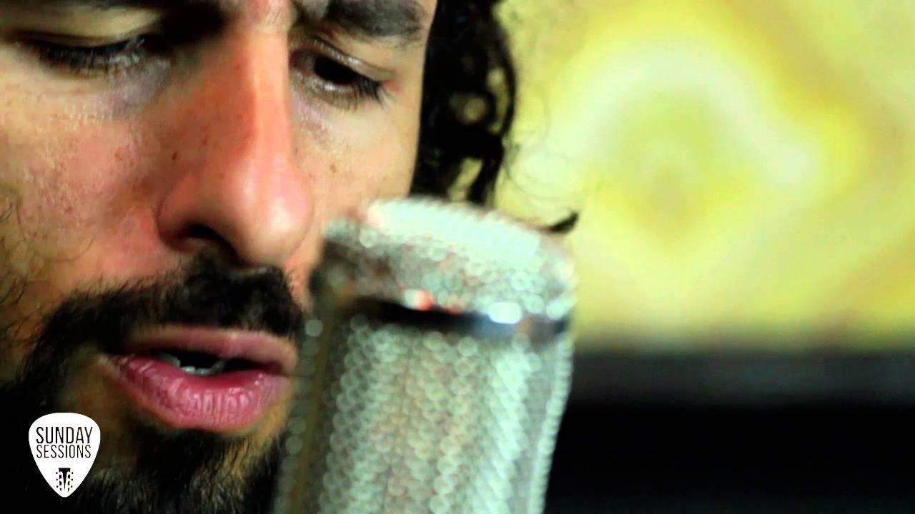 jose-gonzalez-crosses-sunday-sessions-joe-sessions