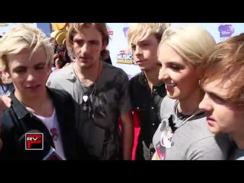 R5 Reveals Their Cell Phone Wallpapers, Talk Radio Disney Music Awards & More!
