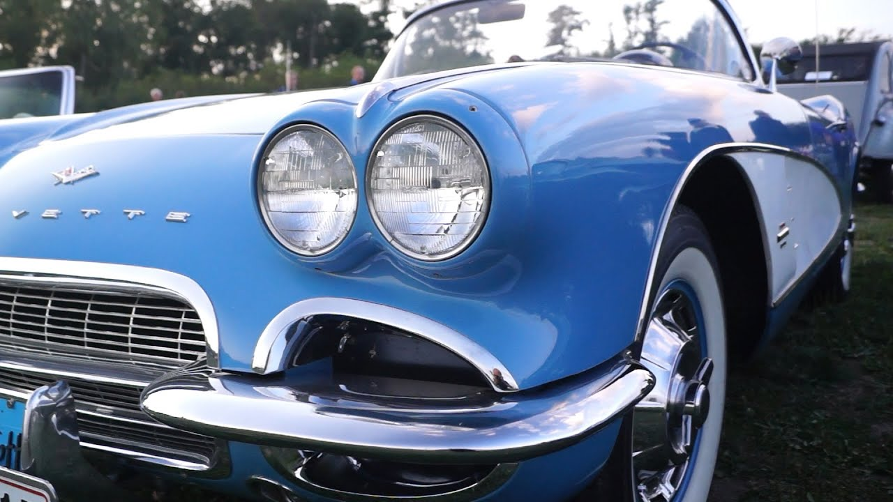 Jewel Blue Corvette, V-8,1961 in Detail. Kaloe Vintage Car Rally ...