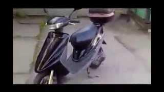 #ПОЛЕЗНОЕ Скутер Yamaha Axis 50(Скутер Yamaha Axis 50 Лучшее видео на канале #ПОЛЕЗНОЕ. Порой смешное, порой грусное, но всегда новейшее и интересн..., 2014-01-13T13:48:06.000Z)