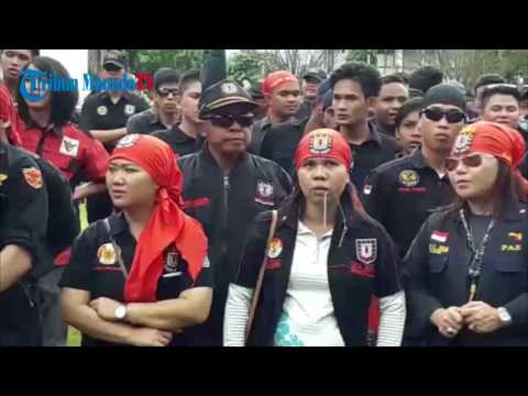 Demo di Kantor Gubernur, Massa Nyanyi Lagu Opo Wananatas