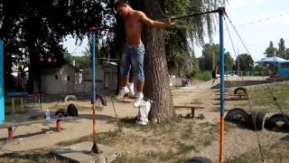 Турник Брусья Street Workout in Ukraine(Видео снято в конце лета 2010 года. Основная часть тренировок проходила в Гидропарке. Я занимаюсь на турниках..., 2010-09-13T09:32:10.000Z)