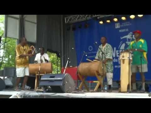 Atna Njock & BOLBO ART - Rythme traditionnel Bikutsi du Cameroun