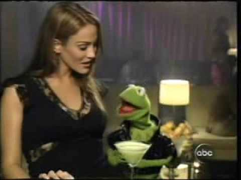 Christina Cindrich w Kermit the Frog on Jimmy Kimmel 2004