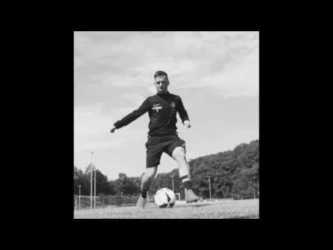 men-of-soccer-|-simon-handle