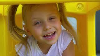 Wheels on the bus /Canción infantil sobre el autobús escolar