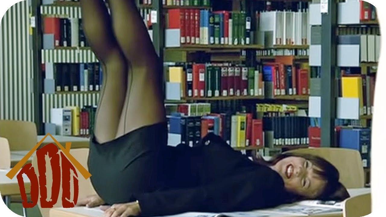 SEXY Ablenkungsmanöver | DIE DREISTEN DREI - DIE COMEDY WG | SAT.1 TV