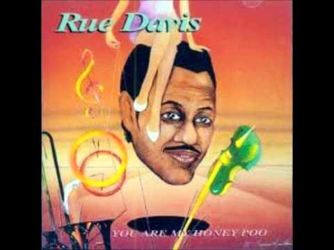 Rue Davis Honey poo