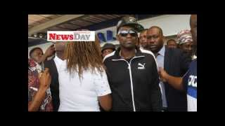 Fans welcome Jamaican star Busy Signal to  Harare, Zimbabwe October 2015
