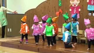 ルカ2歳のときの発表会です。 なめこダンス。