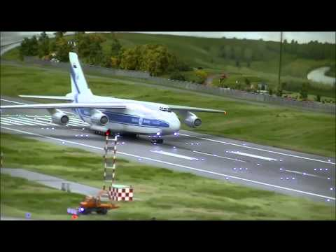 [HD] World's Largest Model Airport! - Miniature Wunderland in Hamburg