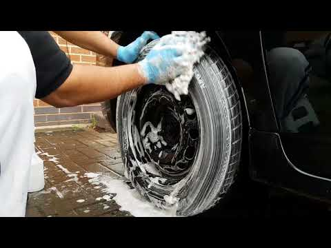 How to Clean tyres with washing powder