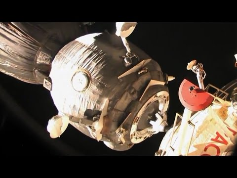 Soyuz Capsule Out of Control During Re-entry
