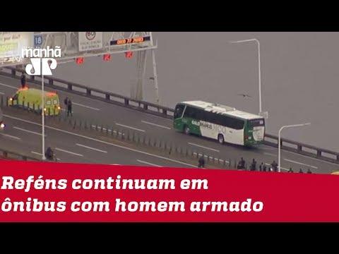RJ: Reféns continuam em ônibus com homem armado na Ponte Rio-Niterói