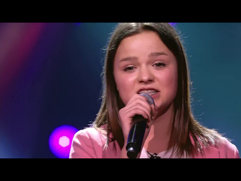 Pauline - 'Girl On Fire' | Blind Auditions | The Voice Kids | VTM