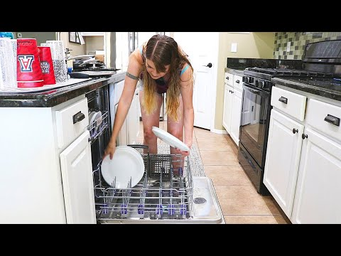 HOLY DISHES! KITCHEN CLEANING MOTIVATION // CLEANING MOM from YouTube · Duration:  11 minutes 55 seconds