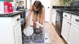 HOLY DISHES! KITCHEN CLEANING MOTIVATION // CLEANING MOM