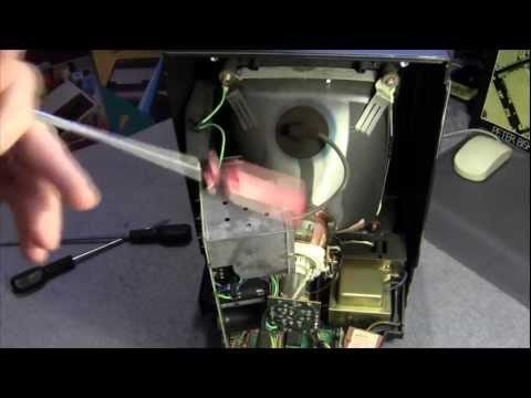 Vectrex Teardown & Repair Part 1: Replacing Capacitors + How to discharge the crt