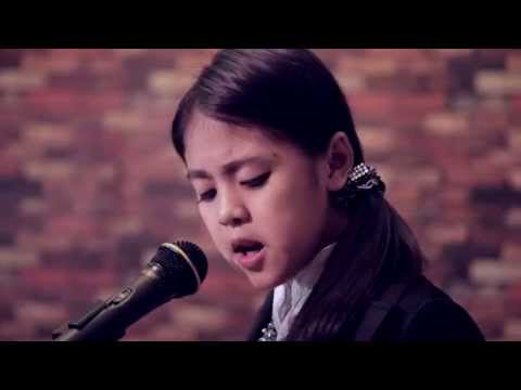 May La Thanzin ေမလသံစဥ္ ( If we hold on together cover song)