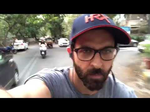 Watch How Hrithik Roshan responded to Rajyavardhan Singh Rathore's Fitness Challenge