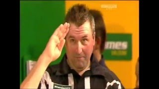James wade and ronnie baxter funny incident - world matchplay darts 2008