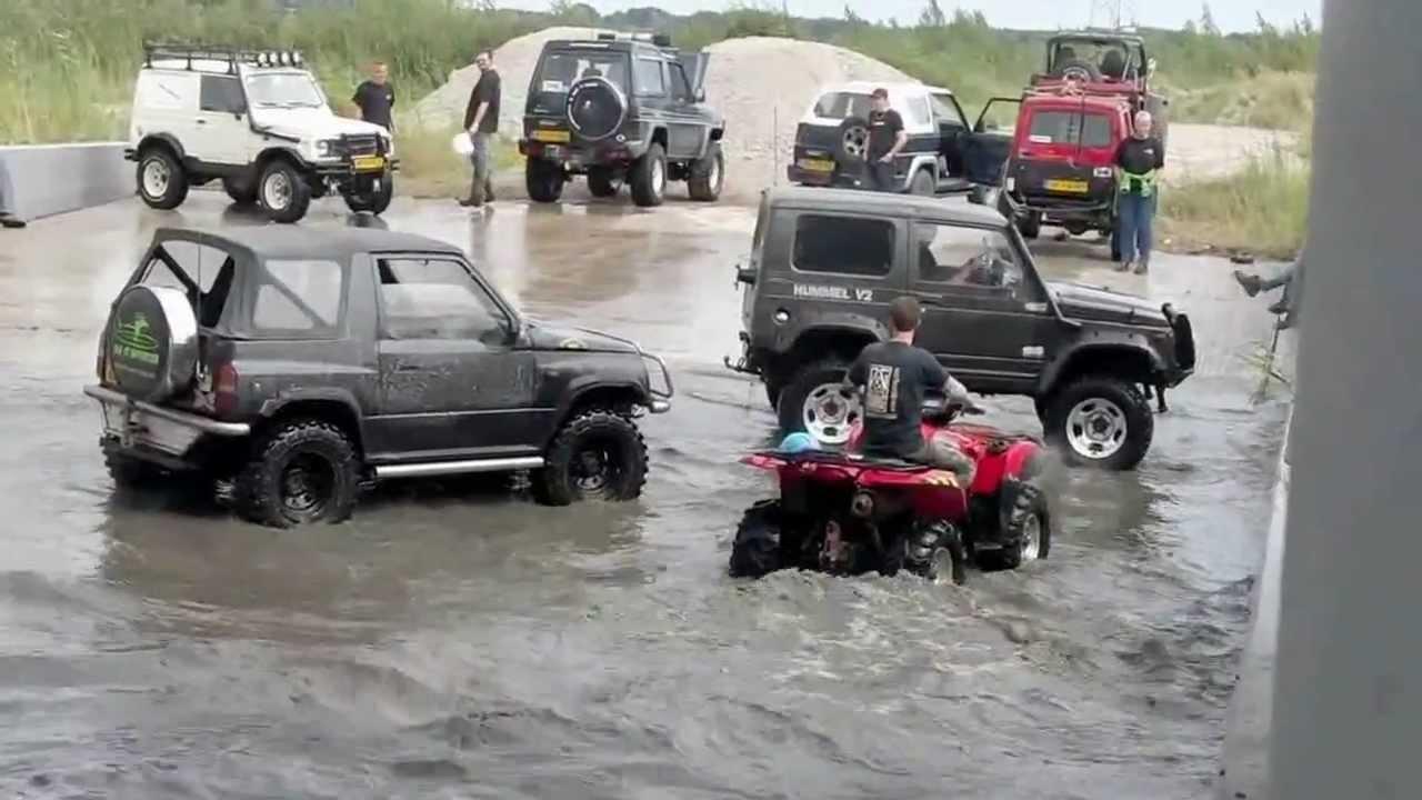 Suzuki KingQuad VS Suzuki Samurai & Vitara. Water duel! - YouTube