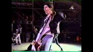 Ramones - Do you remember rock and roll radio? (Live Argentina 1996)
