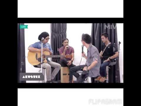 Pilar band