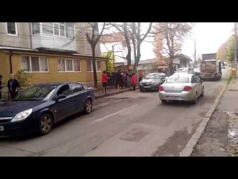 Bataie de strada in Tulcea cu pumni