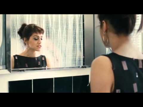 Brittany murphy bathroom scene love and other disasters for Bathroom scenes photos