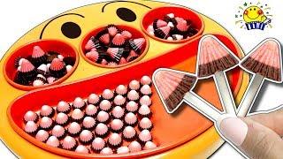 アンパンマンのフェイスランチ皿にチョコ料理❤︎お菓子がいっぱい♩リカちゃんとメルちゃんのお店屋さんごっこ❤︎ペロペロチョコやガムやアポロや飴❤︎カギパズル 子供向け たまごMammy thumbnail