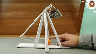 learn how to make a medieval catapult (trebuchet) using paper. WARNING-Use this weapon carefully not shoot at anyone and wear